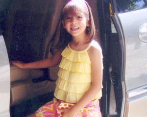 Mary Gaby Treviño Fernández cumplió seis años de vida el 11 de mayo de 2004 y fue festejada por sus papás, Salvador Treviño y Gabriela Fernández de Treviño.