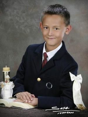 Niño José A. Villarreal Perches recibió la Sagrada Eucaristía de la Comunión en días pasados