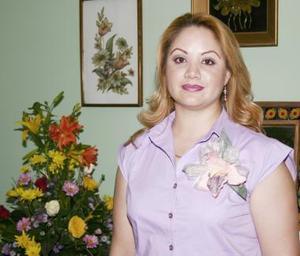 <u><b> 06 de Junio </u> </b><p>  Sandra Padilla Téllez, captada en la despedida que se le ofreció por su próxima boda..