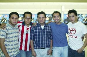 Antonio Saviñana, José Villarreal, Raúl Castillo, Carlos Ortiz y Agustín Ruelas, captados recientemente.