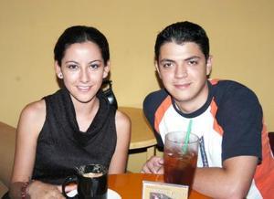 Cynthia Moreno y Carlos Sandoval.