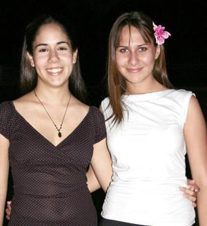 Karina Becerra y María Ángeles Martín.