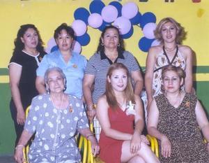 Irene Silva Castro disfrutó una despedida de soltera, ofrecida por Irene Castro Zamora y su futura suegra, Antonia Hernández de García y un grupo de amigas