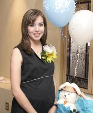<u><b> 07 de Junio </u> </b><p>   Ana Chew de García en la fiesta de canastilla que le ofrecieron en honor del bebé que espera.