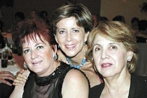 Cristina de Anaya, Rosy Meléndez y Adriana Castro en pasado convivio social