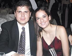<i><u>08 de junio de 2004</i></u><p>  Jorge Mares y Gaby Guerra.