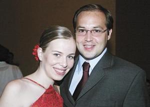 Cristina M de Pérez y Fernando Pérez Garza.