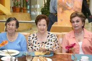Carmen de Fernández, Sendy de López y Ahiquis de Lamberta.