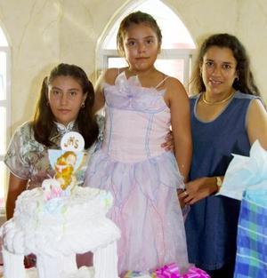 Georgina Olivares Franco festejó su noveno cumpleaños con un divertido festejo, ofrecido por su mamá María de Lourdes Franco de Olivares y por su hermana.