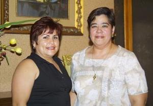Martha Becerril celebró su cumpleaños, con una amena reunión ofrecida por Hortencia de López.