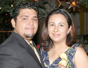 Sergio Érick Sánchez García y Sandra Patricia Esparza Balderas disfrutaron de una despedida de solteros, con motivo de su próxima boda.