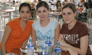 <u><b> 12 de Junio </u> </b><p>  Mariana Larrinaga, Mariana Jiménez y Pili González