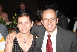 Sofía López Portillo y Juan Ochoa, en pasado banquete nupcial.