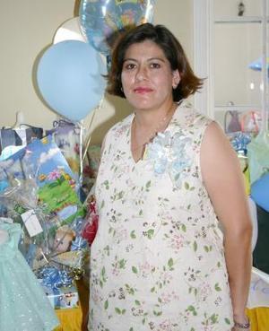 Mónica Isabel Aguayo de Lastiri captada en la fiesta de regalos que le ofrecieron por el próximo nacimiento de su bebé