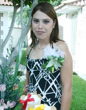 Ivette Adriana flores Solís.