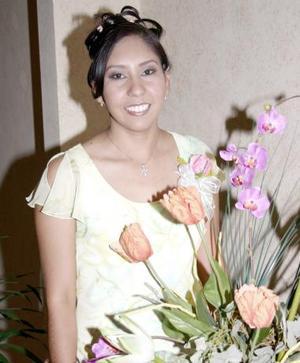 <u><b> 13 de Junio </u> </b><p>   Norma Delia Castañeda Vallejo captada en su despedida de soltera