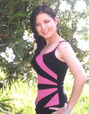 Karla B. Lindan Enríquez celebró sus quince años de vida, el pasado 18 de mayo con un gran festejo.