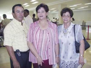 Ana María, Fernando y Ana María Fernández viajaron a la Ciudad de México