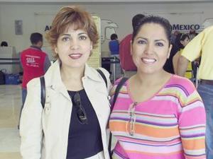 Rosa María García fue despedida por Gloria García antes de viajar a Europa