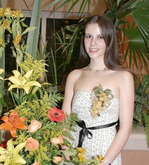 <u><b> 14 de Junio </u> </b><p>   Olivia Castañeda Diez, captada en su despedida de soltera por su cercana boda.