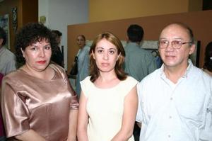 María de Jesús Moreno, Patricia Martínez, Salvador Miranda.
