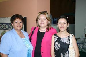 Mary Cholico, Adriana Galarza y Nancy Telléz.