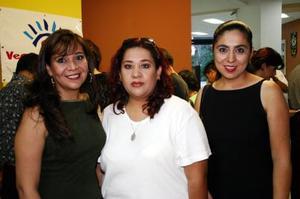 Salma Ayup, Doris Ayup y Any Martínez.