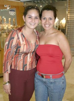 Karla Sosa y Diana Rivera.