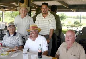 Rogelio Sada y Arturo García, Raymundo Calvillo, Carlos Santos y José Ángel Treviño.
