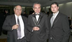 Ariel Villarreal Jiménez, Sr. Hernández Sordo y Ariel Villarreal Esparza.