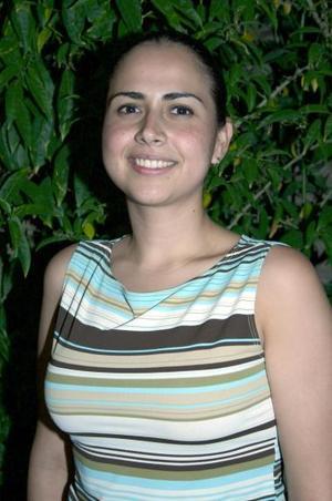 <u><b> 15 de Junio </u> </b><p>  Sambra Zavala Rocha, captada en una de sus últimas despedidas de soltera.