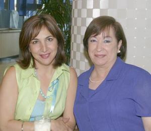 Yolanda de Trasfí y Alicia de Padilla.