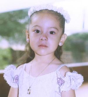 <u><b> 15 de Junio </u> </b><p> Denisse Ávila Moreno, el día de su fiesta por su cuarto cumpleaños.