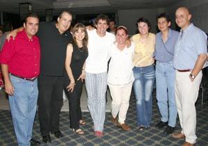 Carlos, Eduardo, Mara, Rafael, Ionne, Carlos, Silvia y Ana.