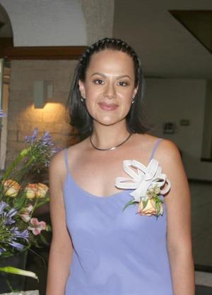 C.P. Paola de la Peña Seijas, en su primera despedida de soltera.
