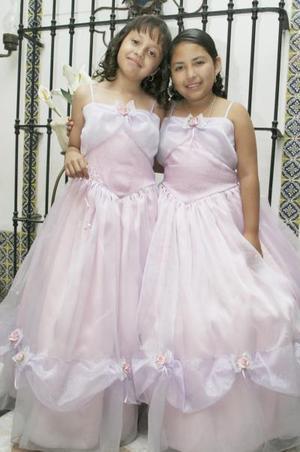 Daniela López Reyes y Alejandra Chacón Reyes, en un grato festejo
