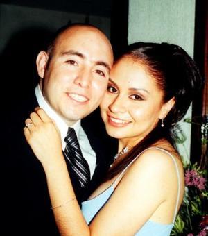 <i><u>18 de junio de 2004</i></u><p> Samuel A. Castillo Acosta y Elizabeth Dorado Saldaña.