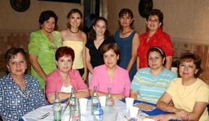 Chaya de Blanco, Elvira de Arredondo, Ana Madero, Imelda Borjón, Lupita Pereyra, Ana Luz Rivera, Lupita de Gonzá, Nora de González, Mónica de Pérez y Luz María de González.