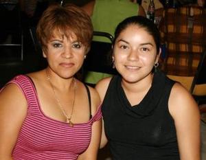 <u><b> 18 de Junio </u> </b><p>  Angélica Sánchez y claudia García