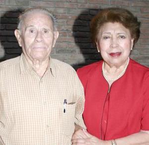 Sr. Porfirio Ramos Lafuente y Sra. Ofelia Rubio de Ramos.