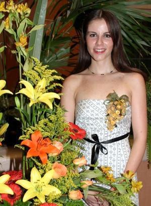 Olivia Castalñeda Diez recibió sinceras felicictaciones, en la despedida de soltera que se le ofreció.