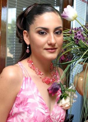 Esthela Meraz Magaña disfrutó de una despedida de soltera, ofrecida por Carmen de Mora y Esthela de Meraz.