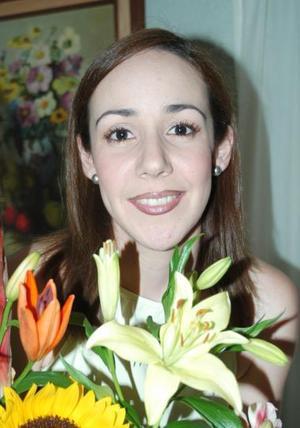 Esperanza Lavín González, captada en la despedida de soltera que le ofrecieron por su próximo matrimonio.