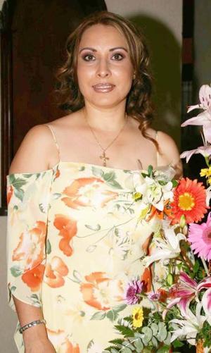 <u><b> 19 de Junio </u> </b><p>   Laura Obregón Méndez, captada en la despedida de soltera que se le ofreció en fechas pasadas.