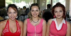 <u><b> 18 de Junio </u> </b><p>   Érika de la Peña de Cantú, Cristina de la Peña de Nahle y Gretel de la Peña Quesada.