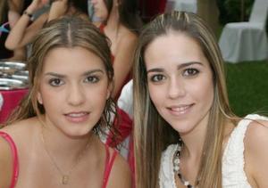 María Rosa Martínez y Kattia Villarreal.