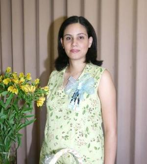 <u><b> 23 de Junio </u> </b><p>   Claudia Vareal de Gómez espera la llegada de su primer bebé y por tal motivo, disfrutó de una fiesta de canastilla.
