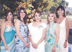 Laura Cristina Ruiz Martínez en  compañía de Adriana Patiño, Yanira Serhan, Irma Ruiz y Cristina González.