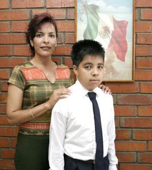 José ALberto López Taía acudirá  a la Presidencia de la República el 18 de julio como representante de los alumnos destacados de sexto de primaria.
