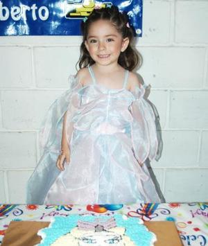 <u><b> 20 de Junio </u> </b><p>   Valeria Caballero Ochoa festejó  su cumpleaños con un divertido convivio